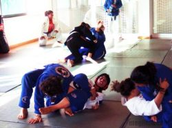 Rolling at Lisbon's first women's BJJ open mat